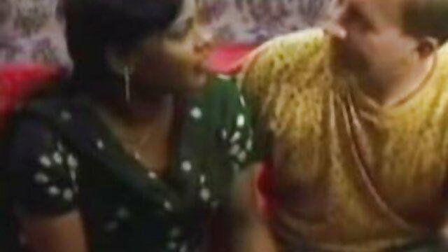 XXX nessuna registrazione  Il marito ha scoperto la donna a letto con xxx centro massaggi uomini neri.