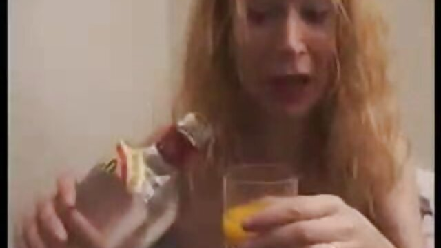 XXX nessuna registrazione  Figa di una bruna calma video porno massaggi erotici e fiducioso sorella con un dildo