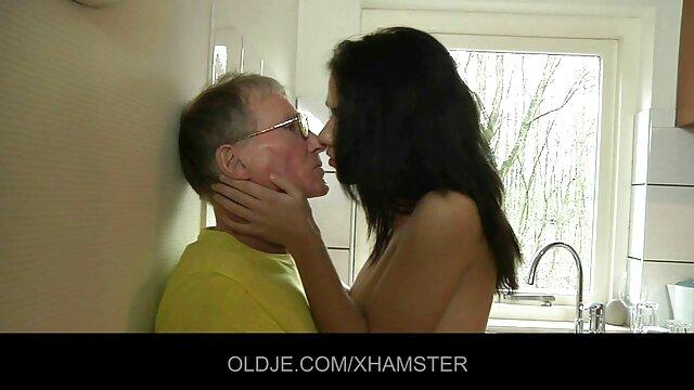 XXX nessuna registrazione  Caldo massaggi video erotici donna frangia rasato micio con neighbors senza esitazione