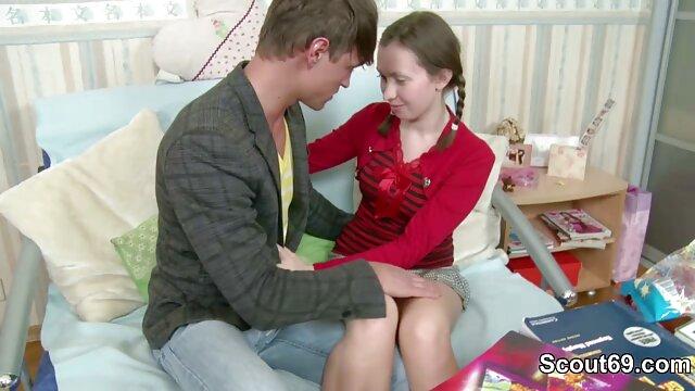 XXX nessuna registrazione  Giovane selvaggio brunetta scopa lei micio video gratis di massaggi erotici con un dildo