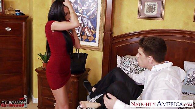 XXX nessuna registrazione  La mia giovane e sexy ragazza di 18 anni ama video di massaggi sensuali una buona sculacciata.
