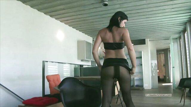 XXX nessuna registrazione  Pornostar video massaggi sensuali si masturba con dildo
