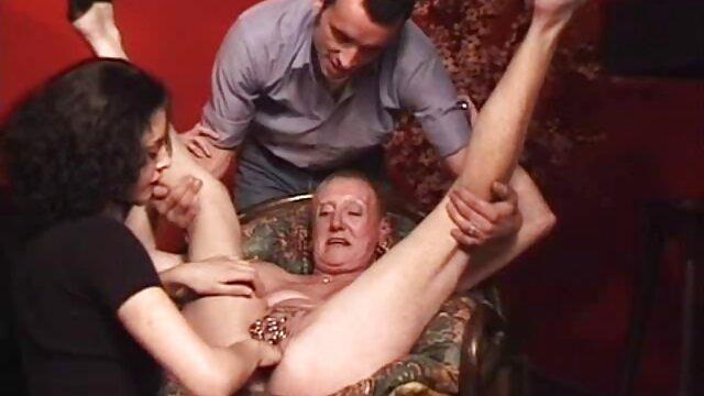 XXX nessuna registrazione  Perché il porno maturo può condividere a malapena il cazzo del ragazzo? massaggio erotico porno totale
