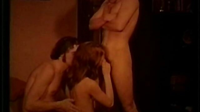XXX nessuna registrazione  Giovane porno modello dare un uomo un massaggio e serving la sua massaggi xxx video cazzo