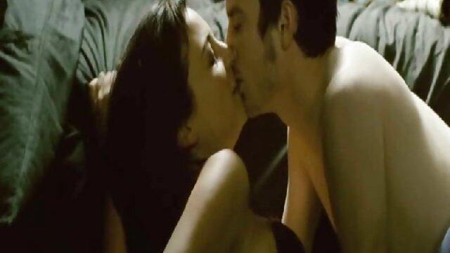 XXX nessuna registrazione  Porno massaggi erotici video italiani modello per suscitare interesse in lui
