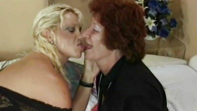XXX nessuna registrazione  Uno studente spudorato ha chiesto pubblicamente al suo video gratis porno massaggi insegnante di mangiarla.