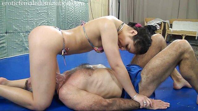 XXX nessuna registrazione  Un ragazzo intelligente che fa pubblicità a una giovane bellezza per scoparlo nel video massaggi cinesi gratis culo.