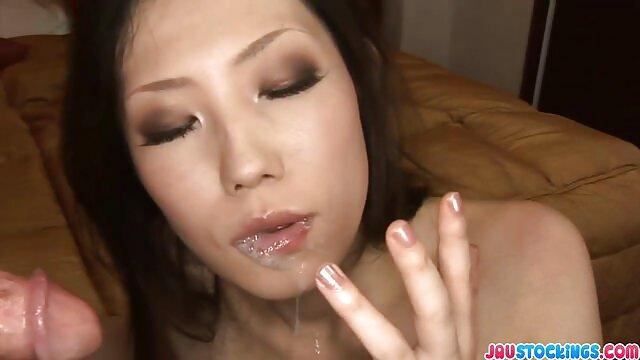 XXX nessuna registrazione  Due lesbiche si massaggi erotici video porno tolgono la loro bella lingerie e usano il dildo nel sesso.