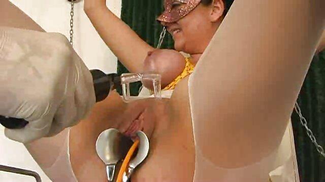 XXX nessuna registrazione  Neri invitati la ragazza non si cura prima di cazzo massaggio intimo video