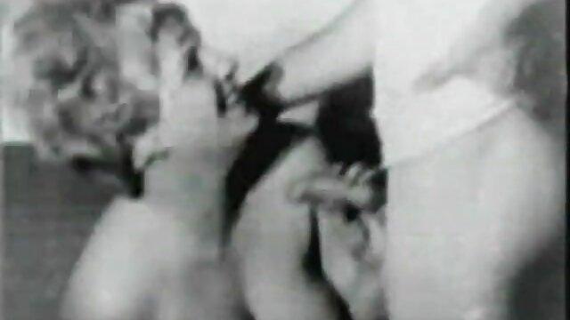 XXX nessuna registrazione  Loro stessi massaggi porno gratis iniziano, sbottonano