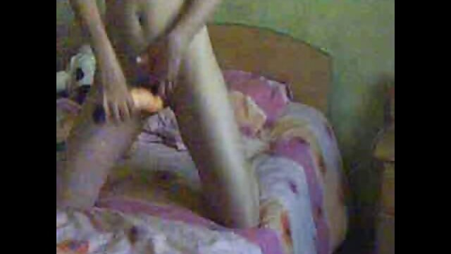 XXX nessuna registrazione  Perfetto dildo rosa per aiutare una ragazza massaggi xxx video a scopare la sua figa