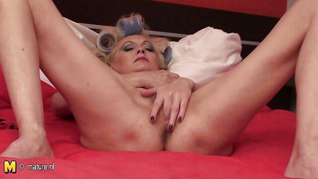 XXX nessuna registrazione  Greedy massaggi sex gratis giovane brunetta pinching capezzoli mentre cazzo lei fidanzato
