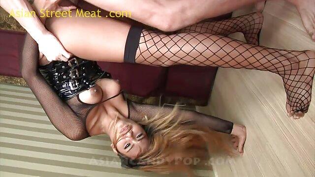XXX nessuna registrazione  Rasata Matura Asiatica mangia le sue mutandine. massaggio hot porno