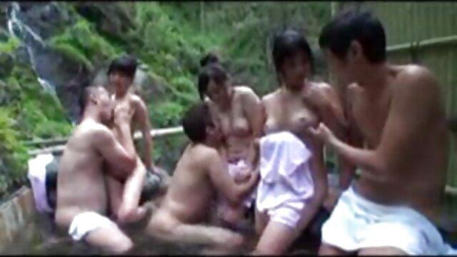 XXX nessuna registrazione  Una giovane donna dai capelli castani coscienziosa succhia il cazzo video hard massaggi cinesi del ragazzo e spera di saltarci sopra con la L.