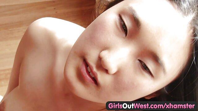 XXX nessuna registrazione  La madre del video massaggi xxx maglione davanti a te, figliolo.