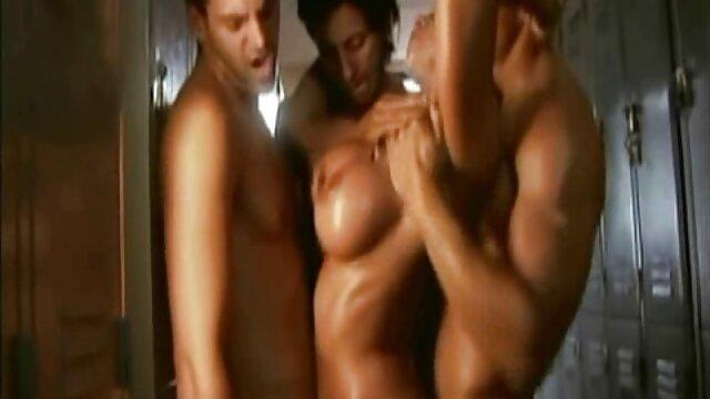 XXX nessuna registrazione  La donna nera aveva bisogno massaggi donne porno di sperma nel culo.