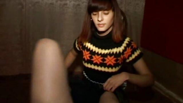 XXX nessuna registrazione  Nudo ebano porno Modelli sul divano massaggi erotici video gratis