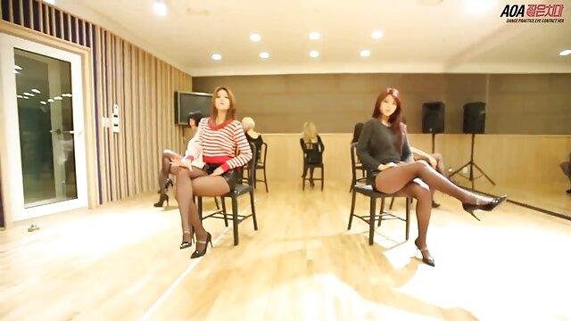 XXX nessuna registrazione  Corneo casalinga sporco sorella con un video massaggi erotici healthy nero uomo su il divano